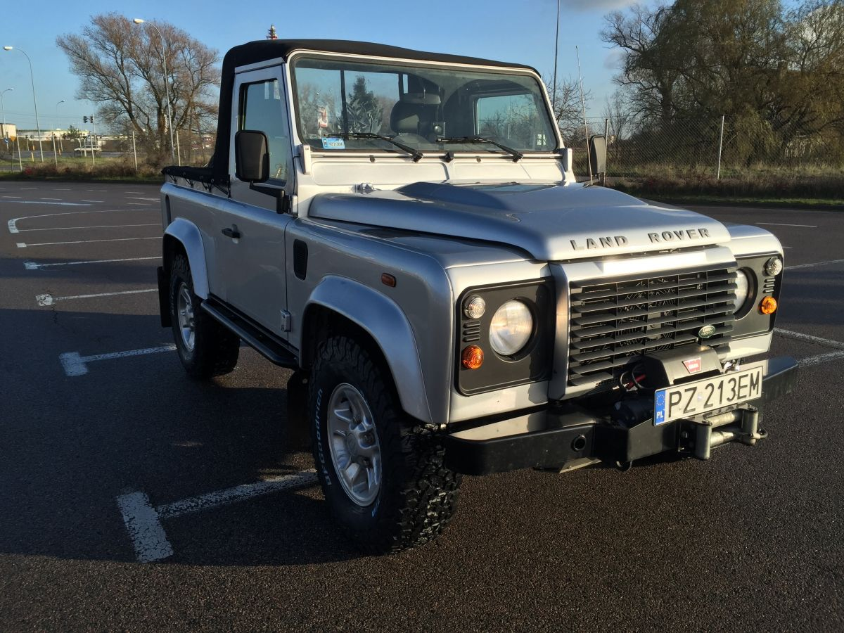 Defenders Rebuilt And Modified Land Rover Defender 90 Pick Up Defendery